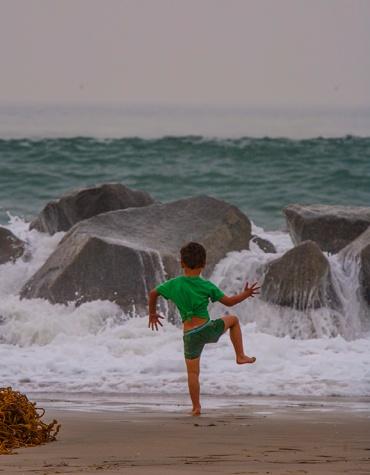 Kid at Beach_2783