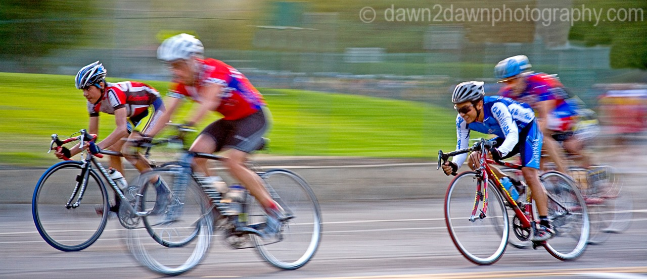 CYCLING IN A BLUR