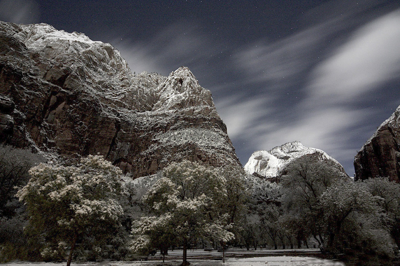 A Zion winter night.