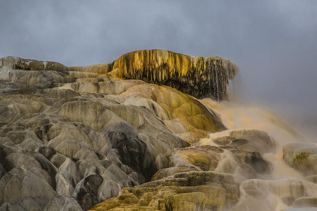 Yellowstone' Mammotth Hot Springs