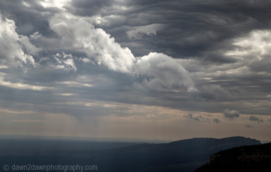 Mornign clouds appear over The Grand Canyon at Grand Canyon National park, Arizona